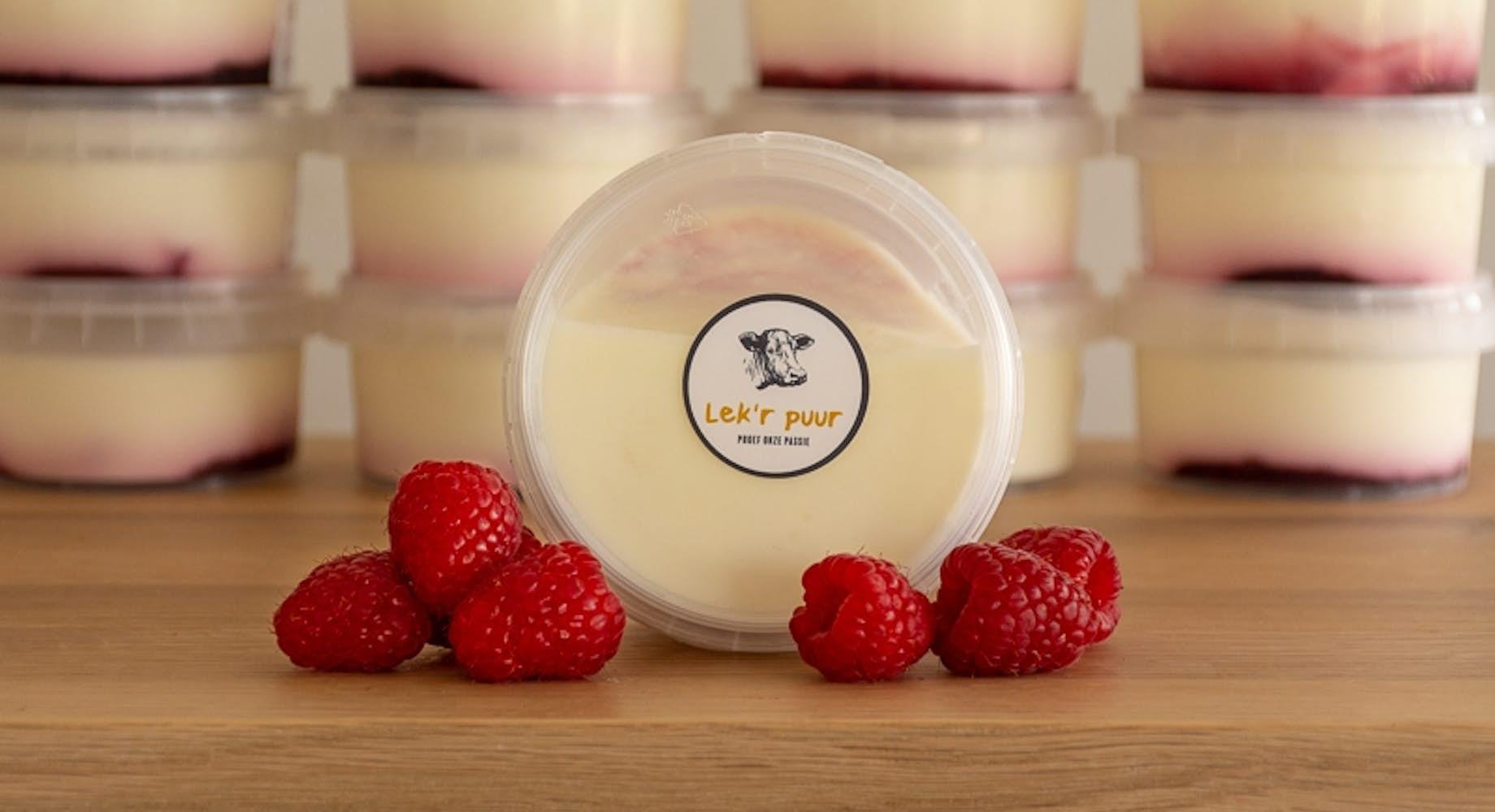Volle yoghurt met frambozen