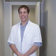 dr. Nijs Yannick